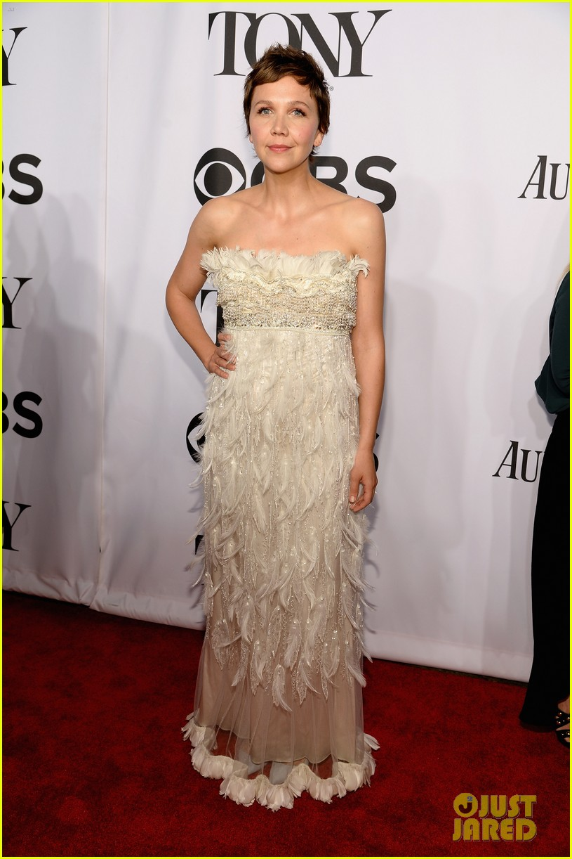 maggie gyllenhaal tony awards 2014 red carpet 033131167