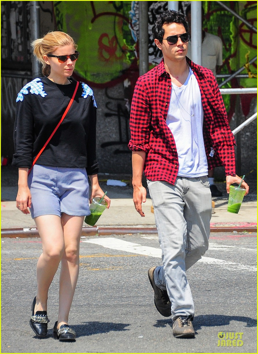 kate mara max minghella cant get enough of each other 09