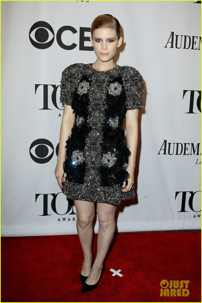 kate mara wears intricately beaded dress to tony awards 2014 05