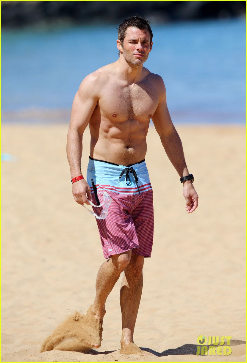 shirtless james marsden shows ripped body in hawaii 20