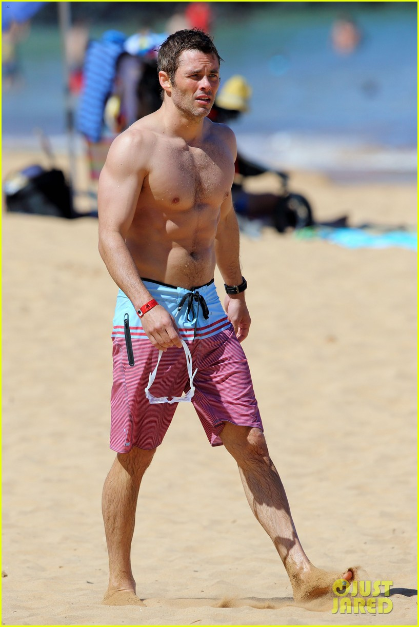 shirtless james marsden shows ripped body in hawaii 24