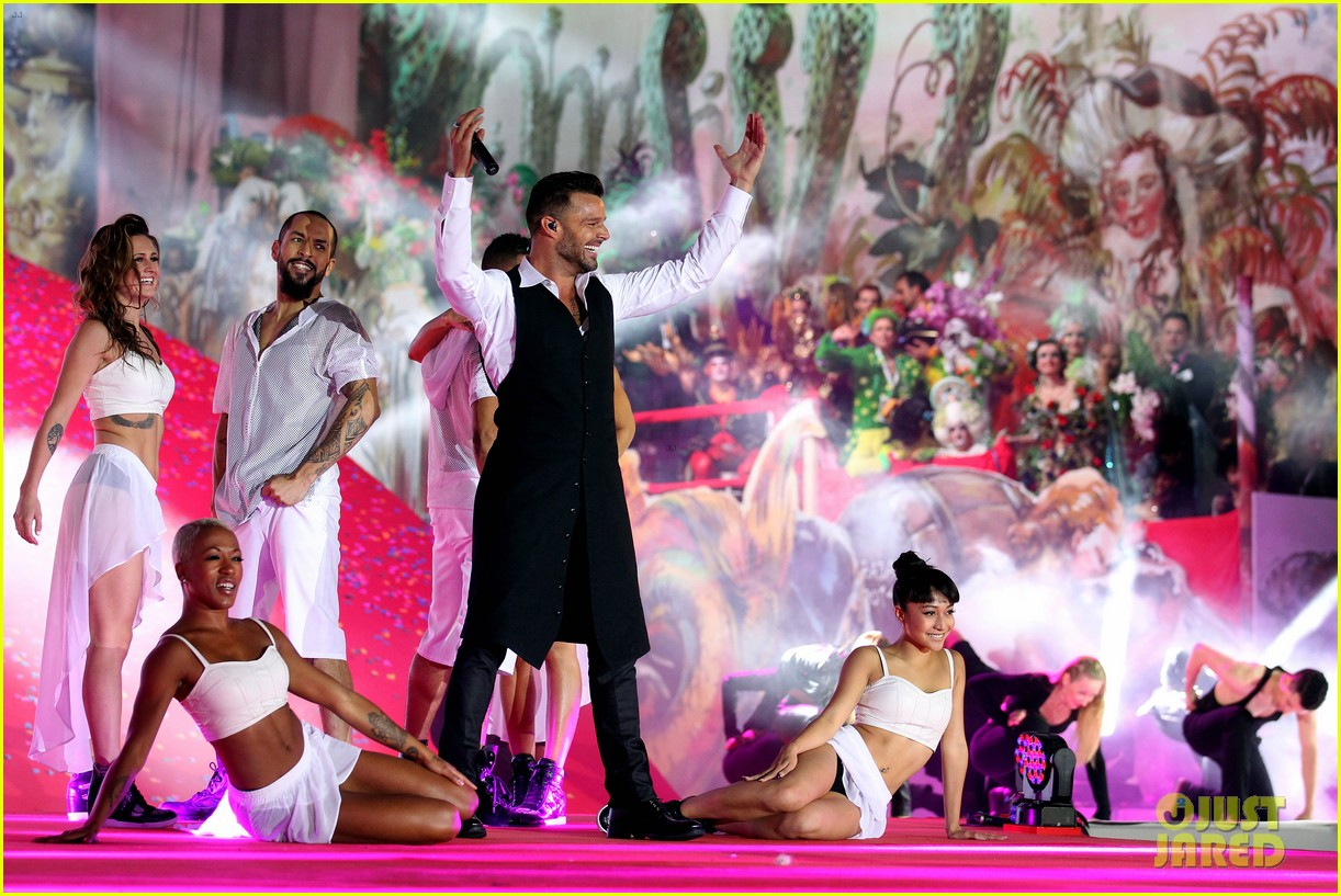 ricky martin christina perri perform at the life ball 213125676