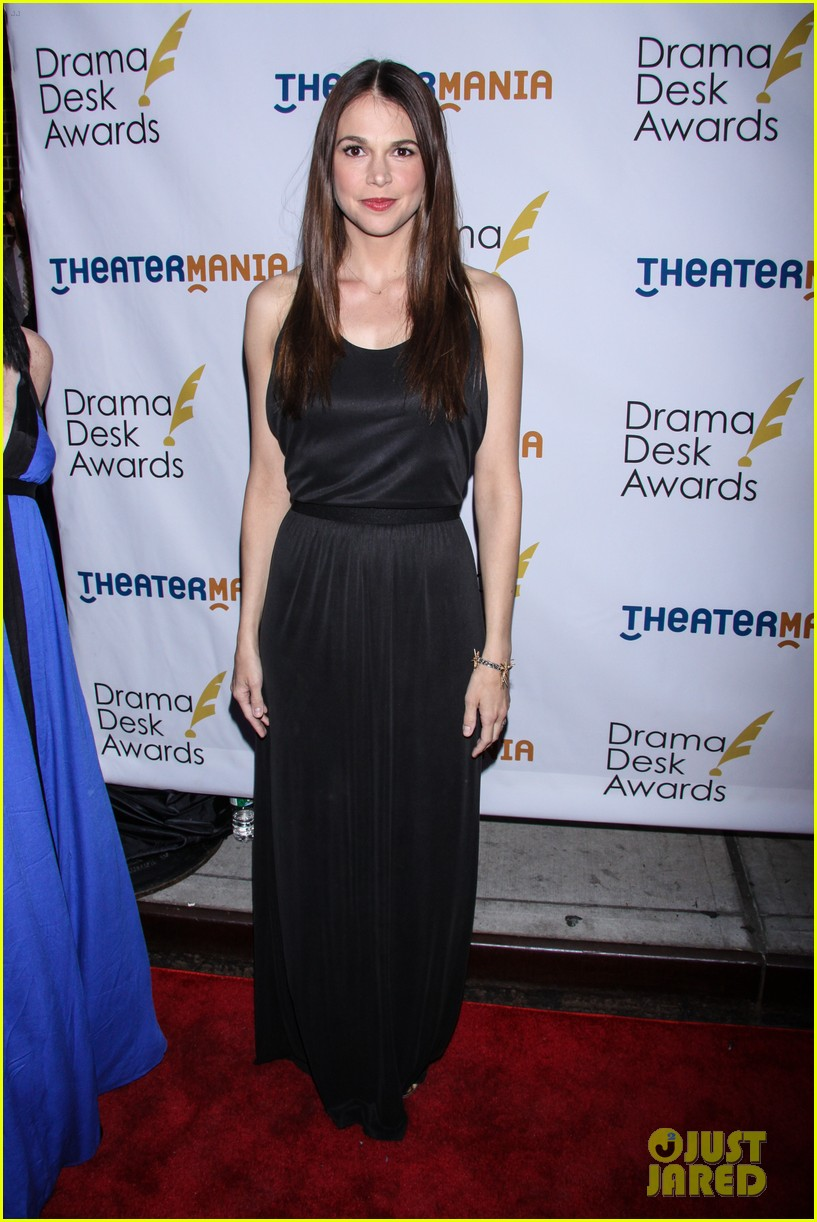 idina menzel sutton foster broadway ladies at drama desk awards 16