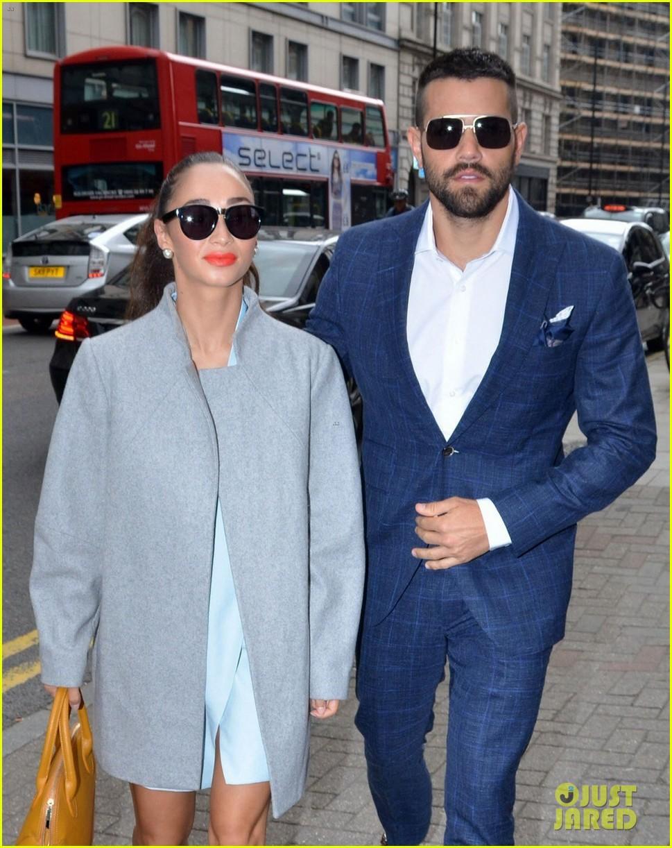 jesse metcalfe cara santana fashionable duo for london mens fashion week 11