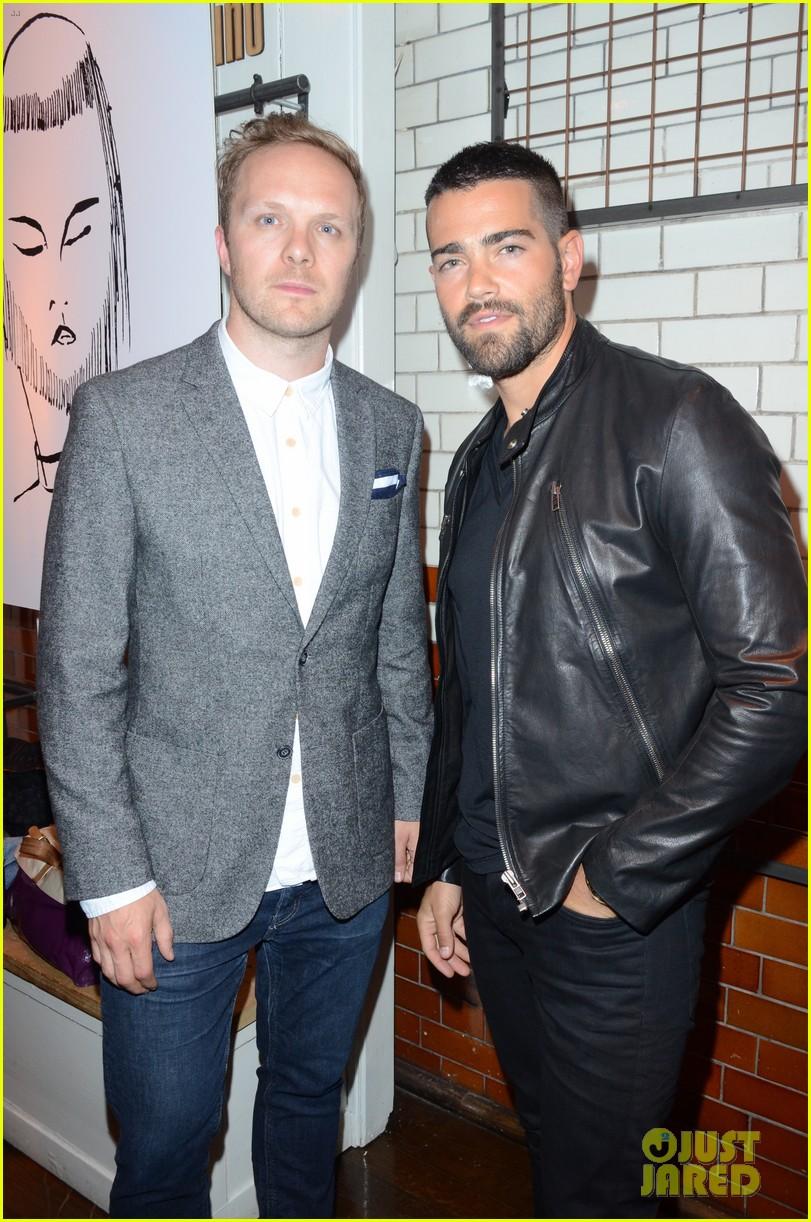 jesse metcalfe cara santana fashionable duo for london mens fashion week 15