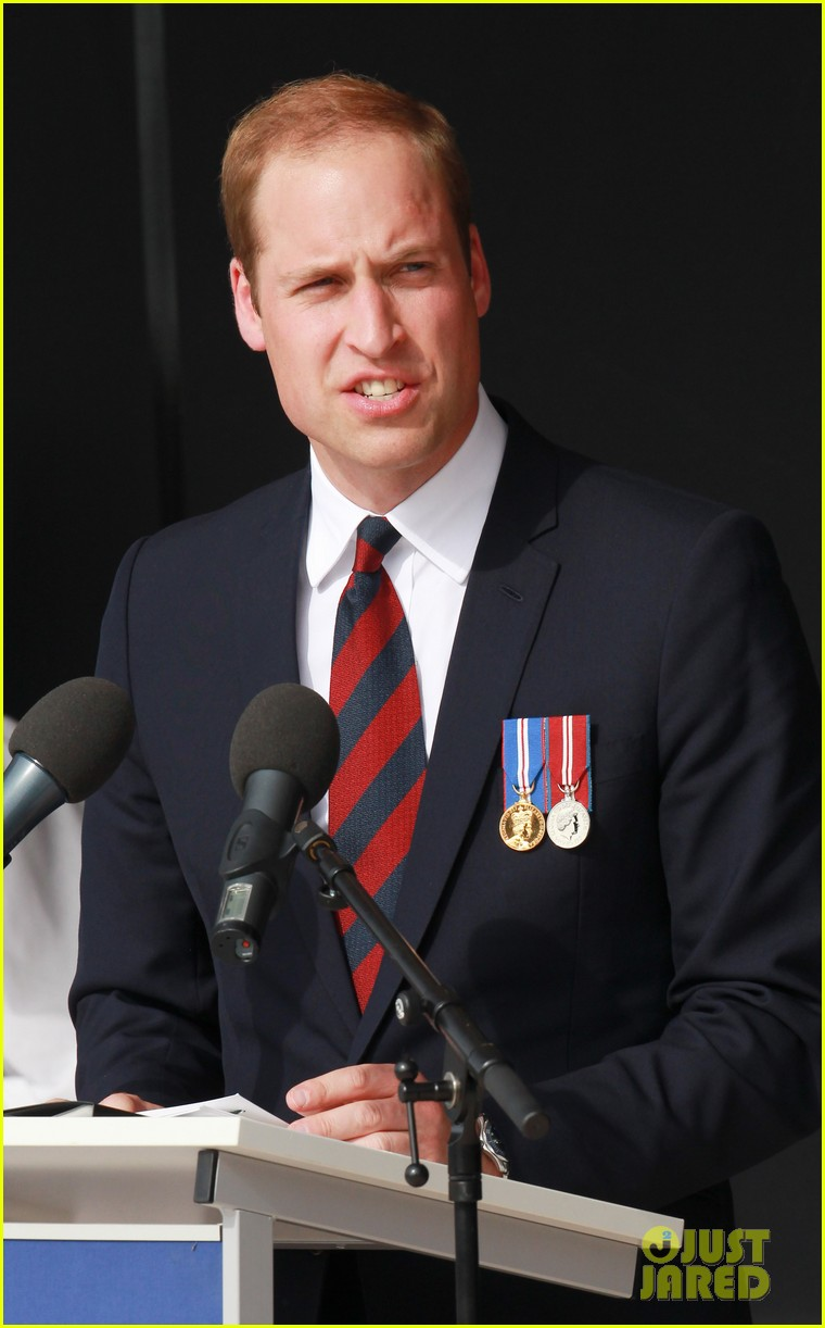 kate middleton prince william pay respects at d day 70th anniversary 02