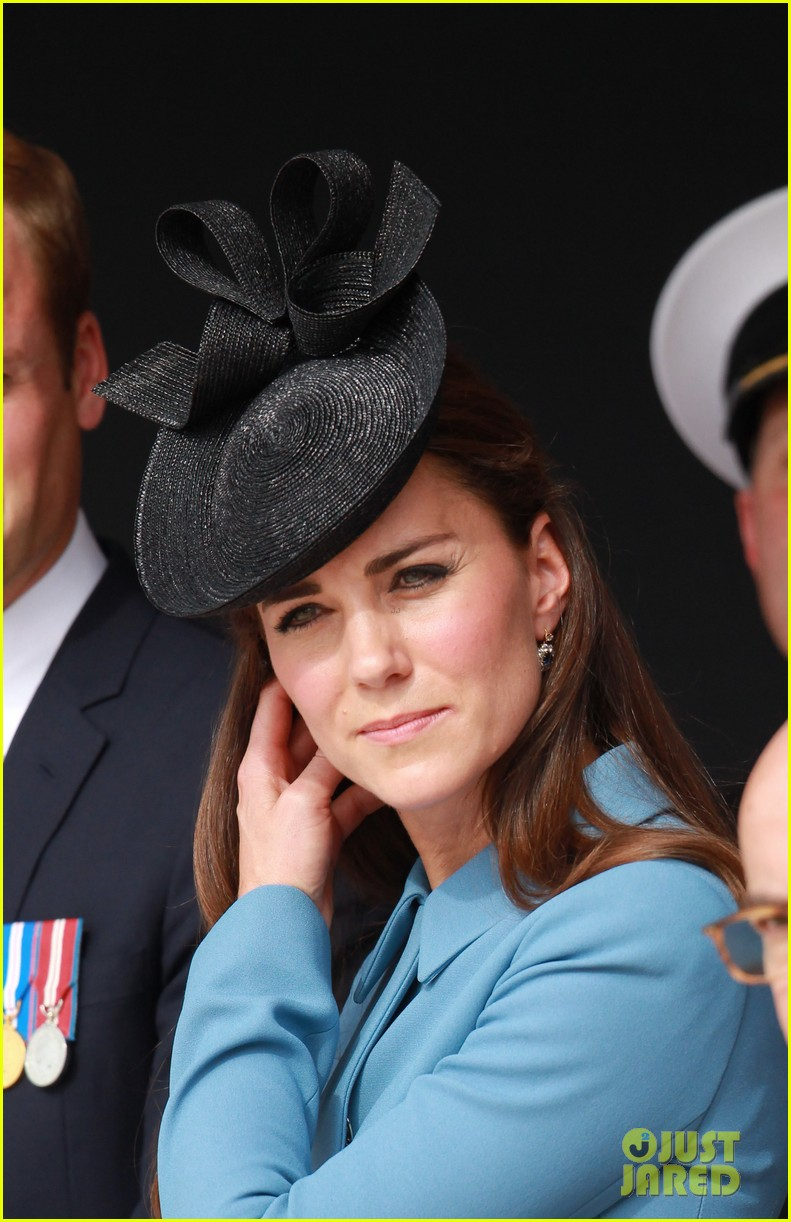 kate middleton prince william pay respects at d day 70th anniversary 18