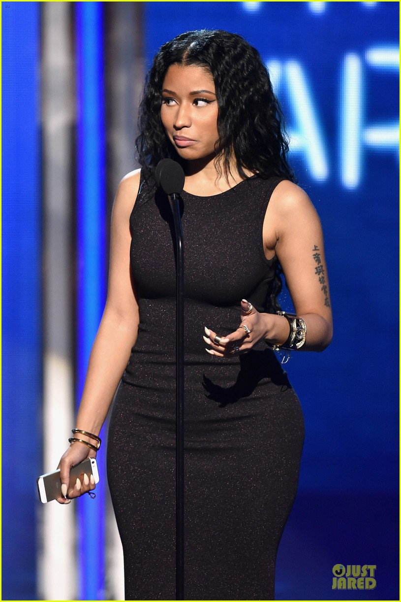 nicki minaj changes to accept female hip hop artist 10
