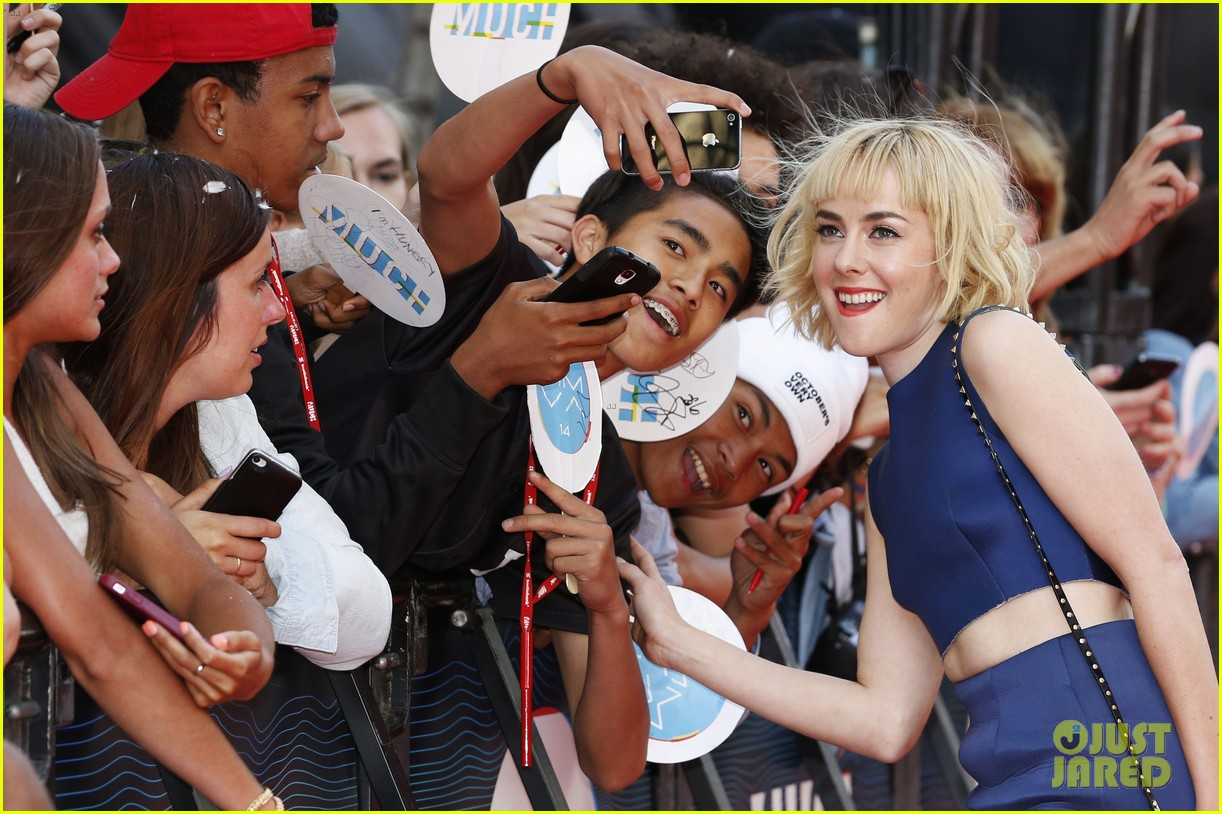 chloe moretz jena malone muchmusic video awards 2014 02
