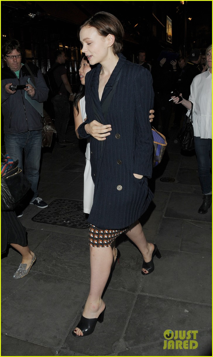 carey mulligan celebrates at skylight press night 08