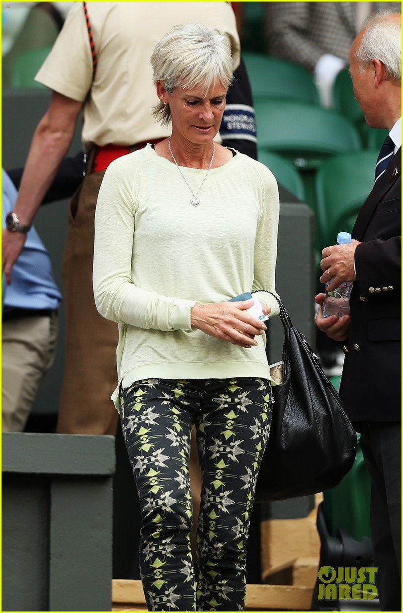andy murray girlfriend kim sears supports him at wimbledon 06