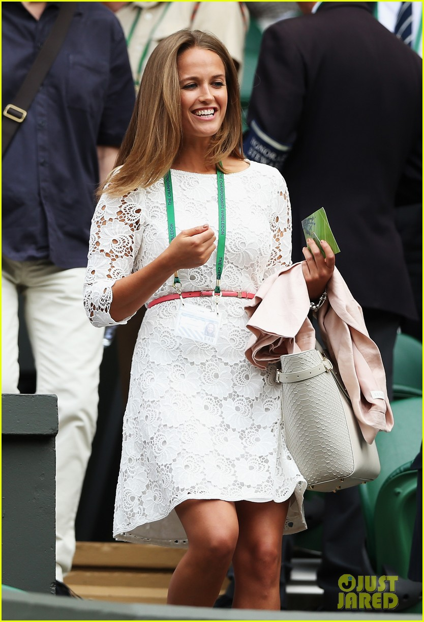 andy murray girlfriend kim sears supports him at wimbledon 08