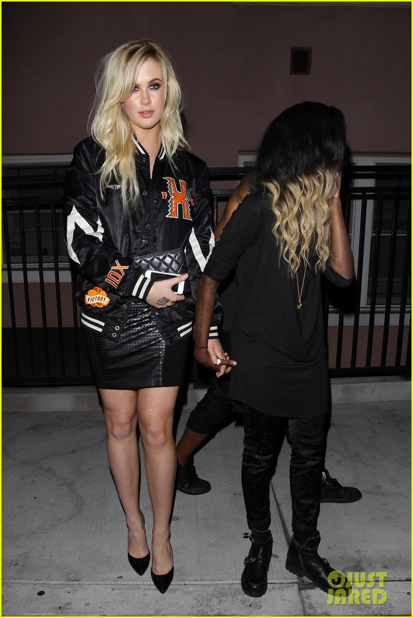 naya rivera ireland baldwin galore magazine party 103134029