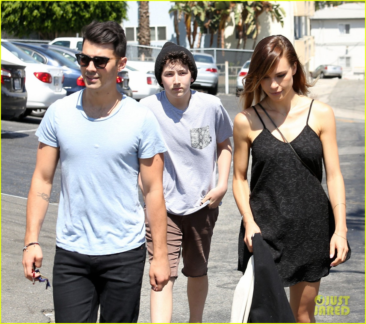 nick jonas joe jonas blanda hugos lunch 013134835