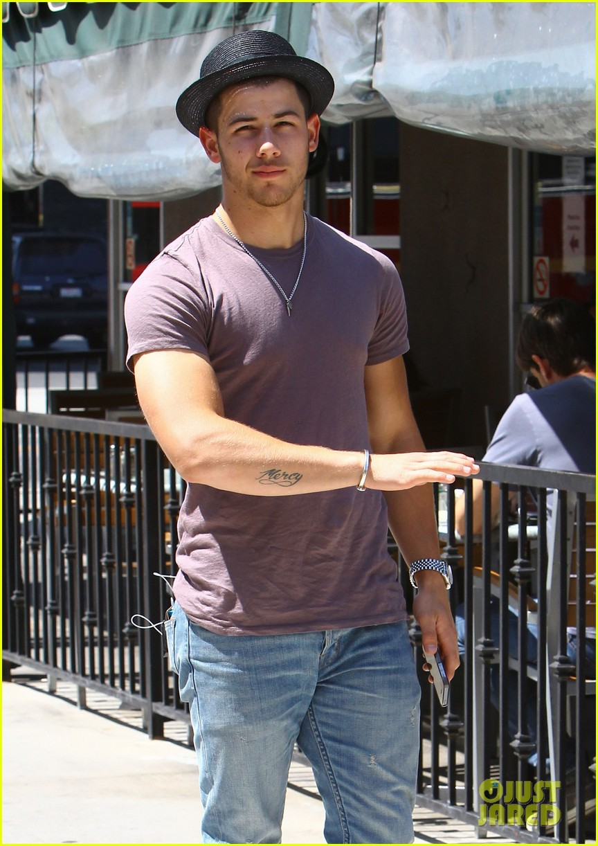 nick jonas joe jonas blanda hugos lunch 023134836
