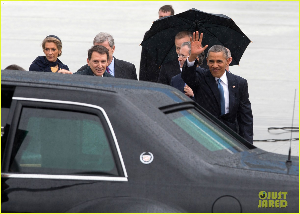 barack obama arrives in brrussels amid calls for impeachment 113128282