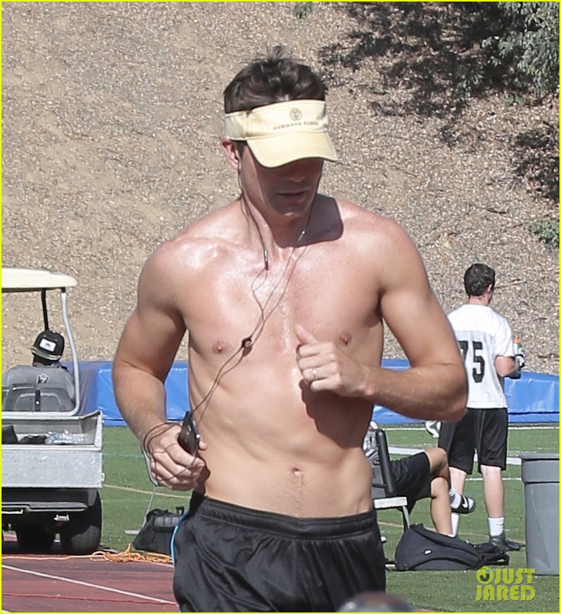 jerry oconnell shows off fit body while running shirtless 02