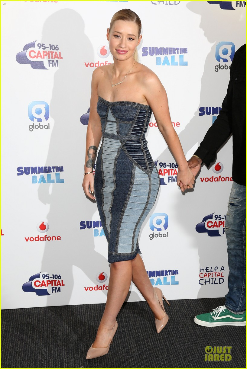 rita ora iggy azalea show off bodies at summertime ball 133140648