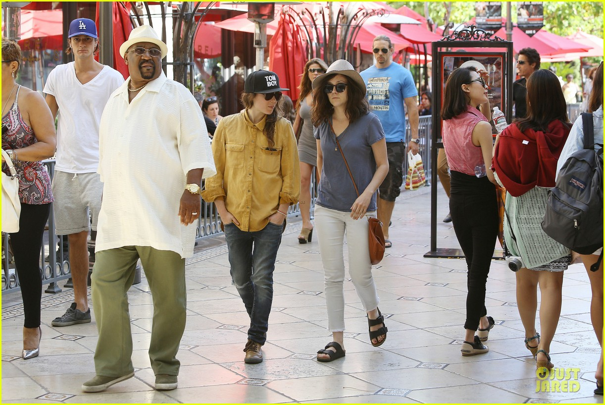ellen page sunday shopping with close gal pal 08