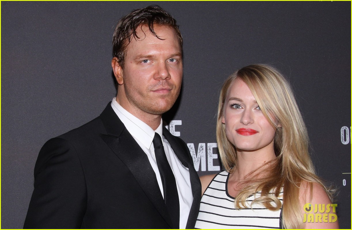 jim parrack getting divorced currently dating leven rambin 10