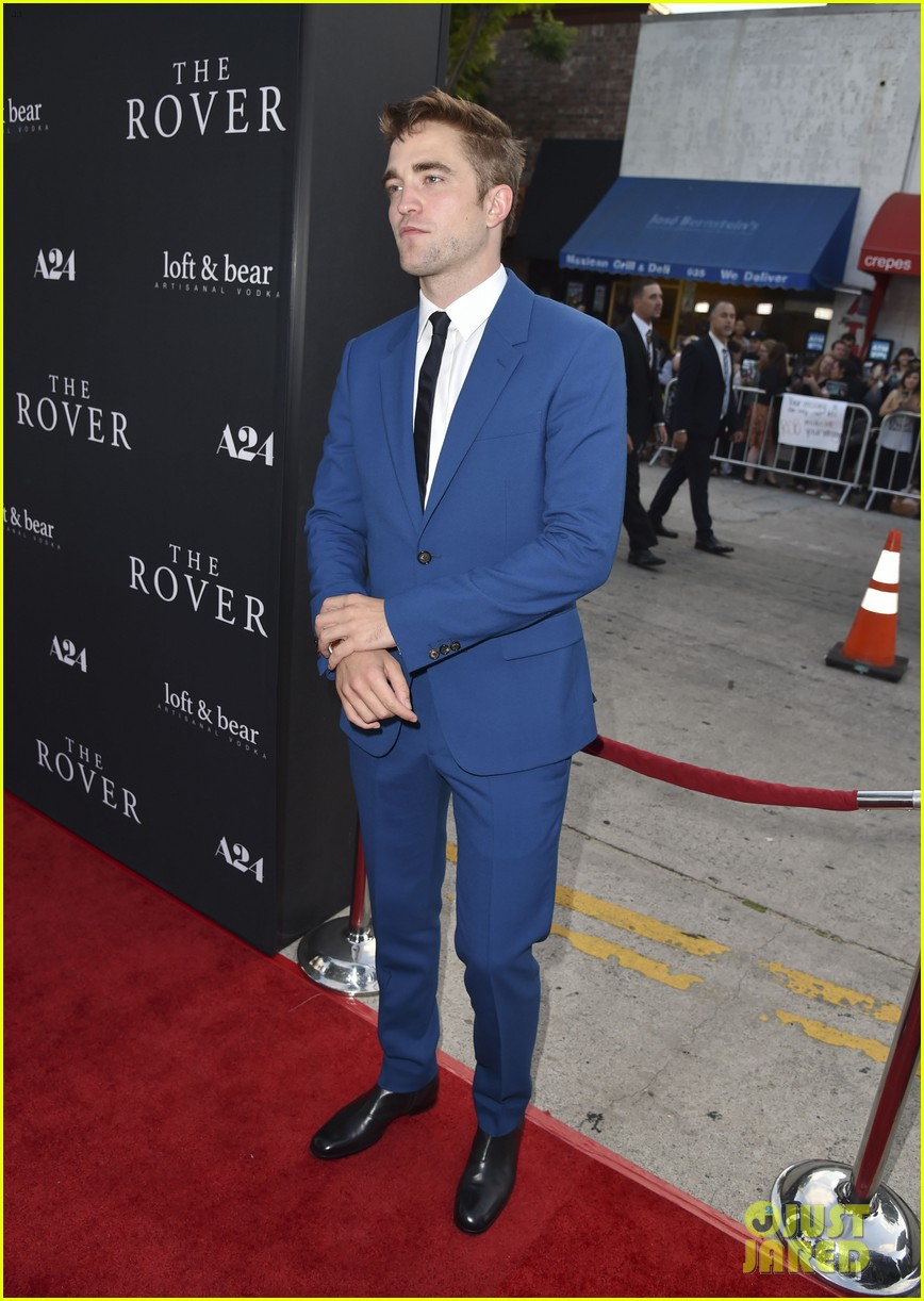 robert pattinson guy pearce rover hollywood premiere 163134368