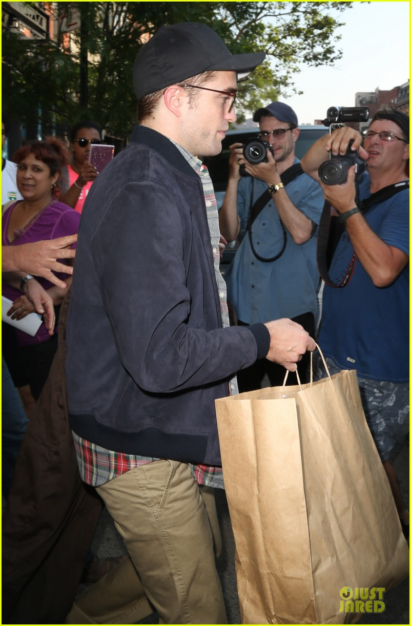 robert pattinson rover haricut gave him an incredible experience 09