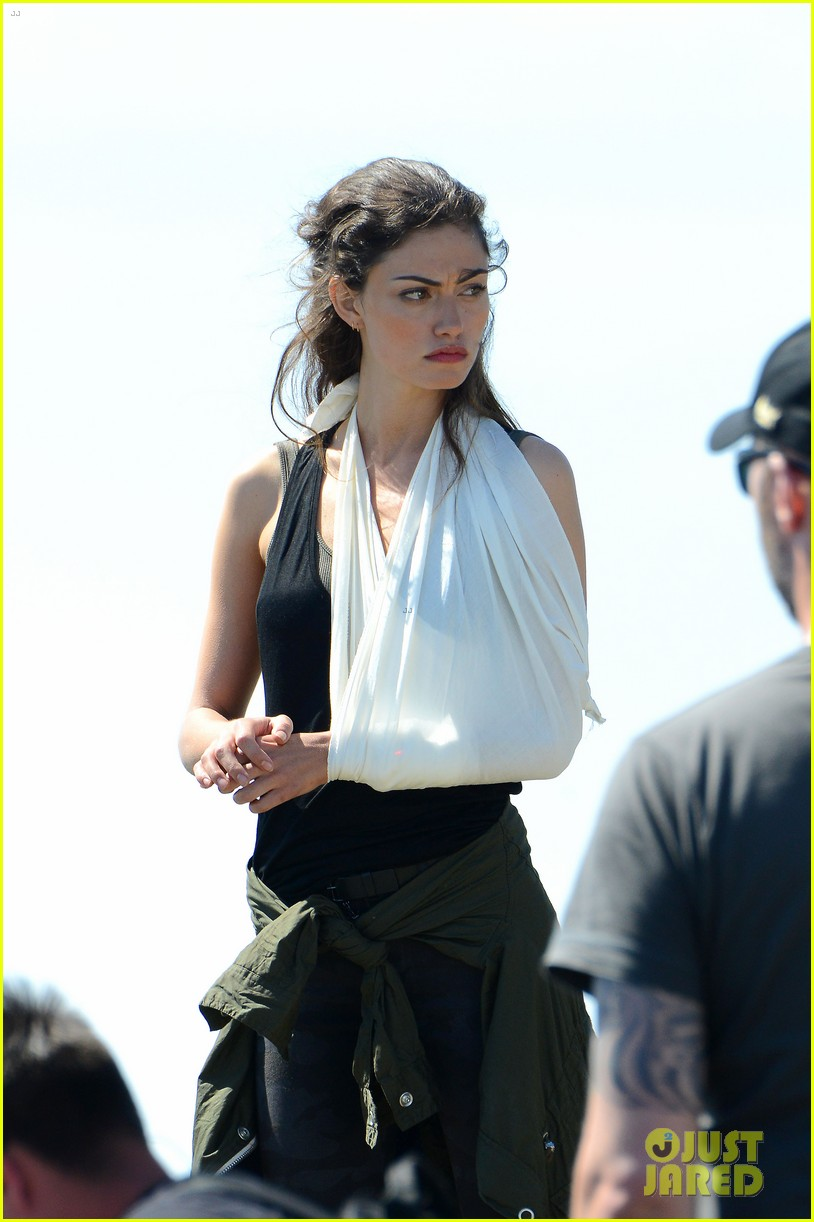 paul wesley la phoebe tonkin take down wales 02