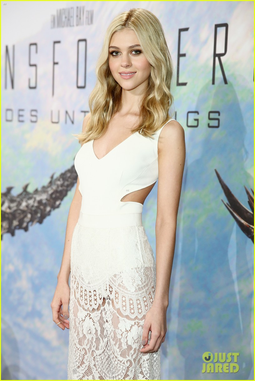 nicola peltz transformers berlin press conference 06