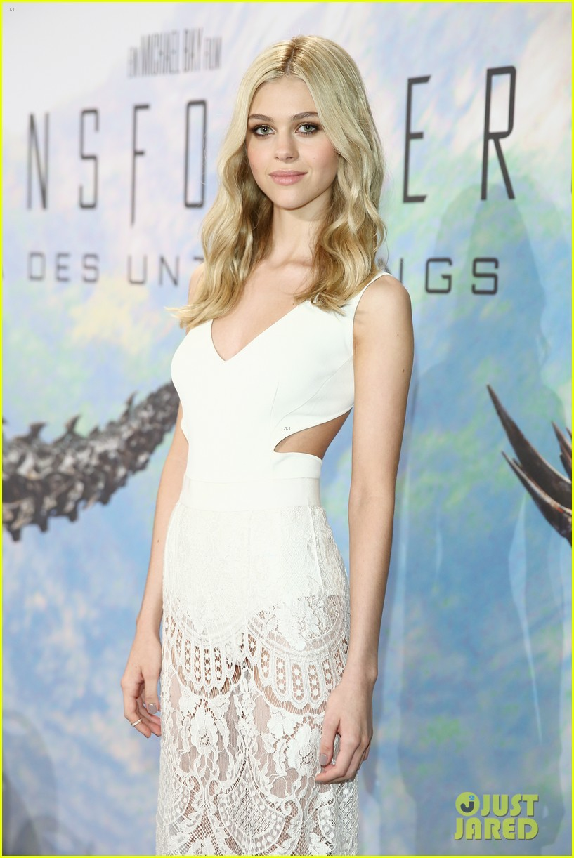nicola peltz transformers berlin press conference 08