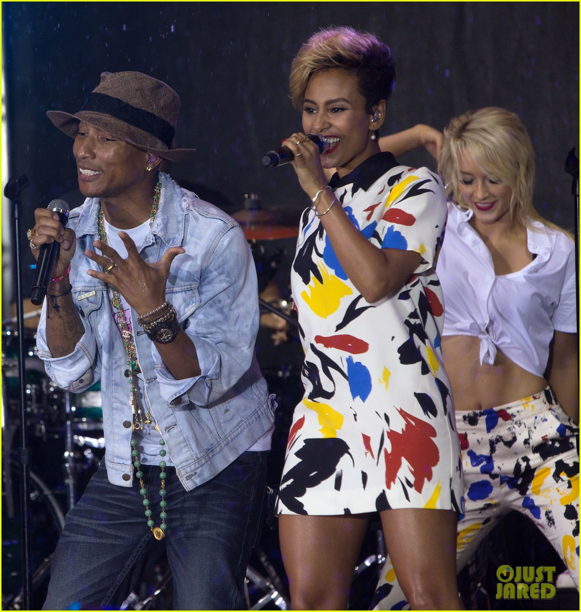 pharrell performs happy come get it bae on today show 083128830