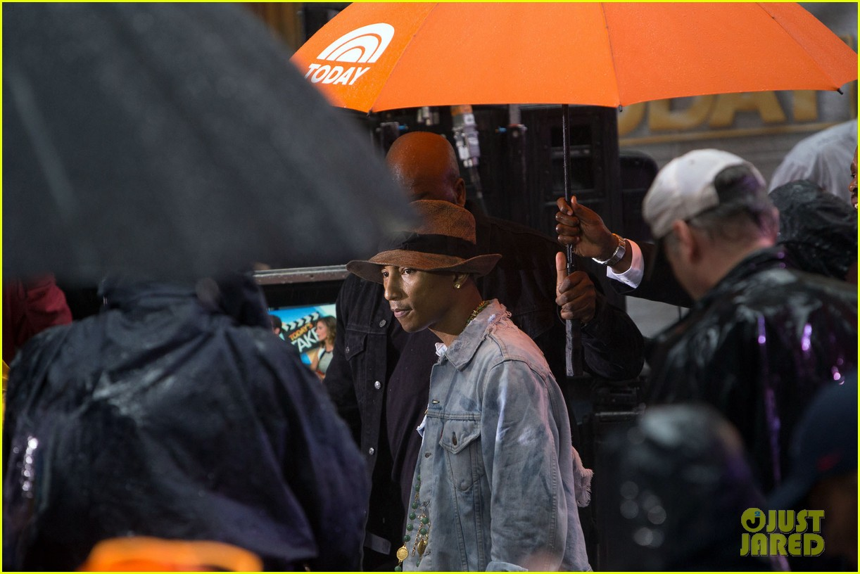pharrell performs happy come get it bae on today show 12