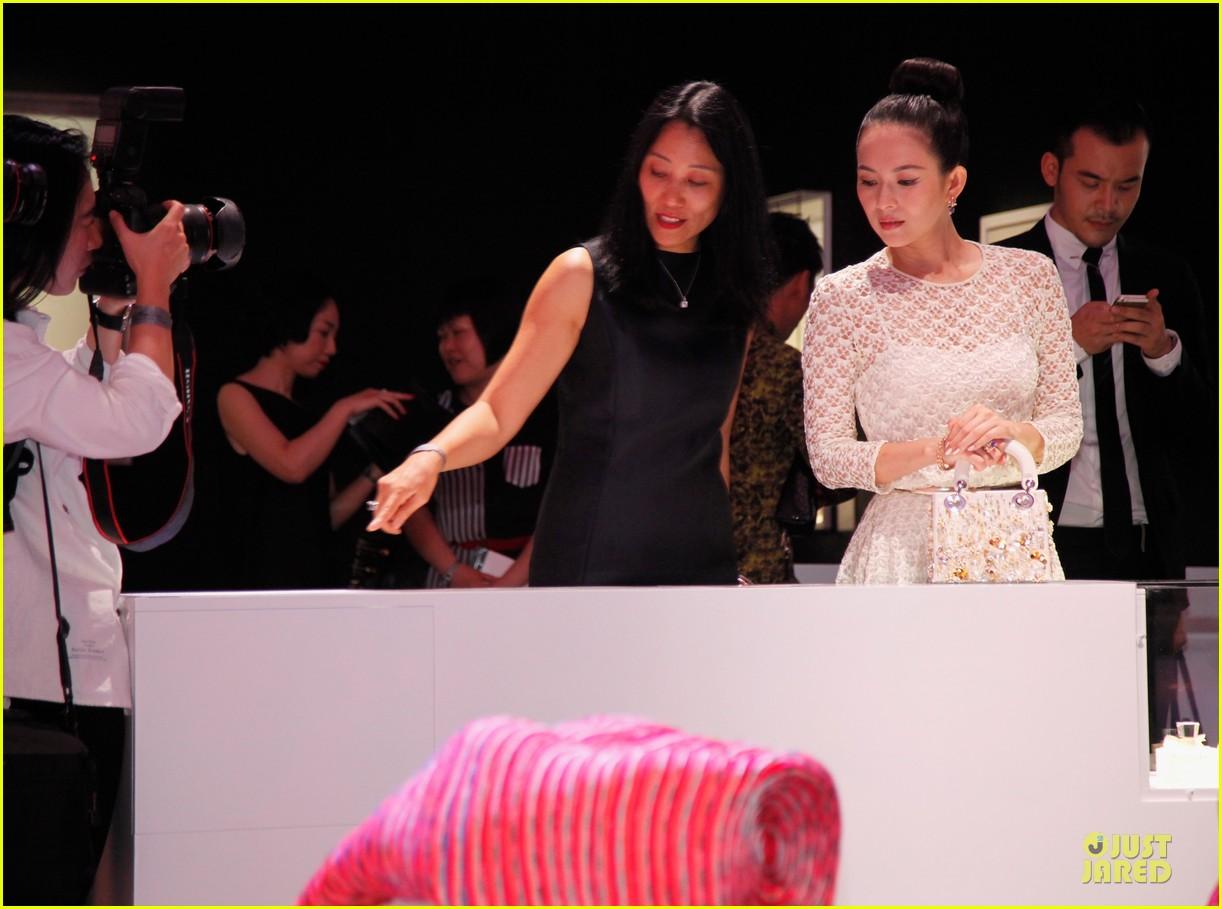 natalie portman ziyi zhang miss dior exhibition 103139022