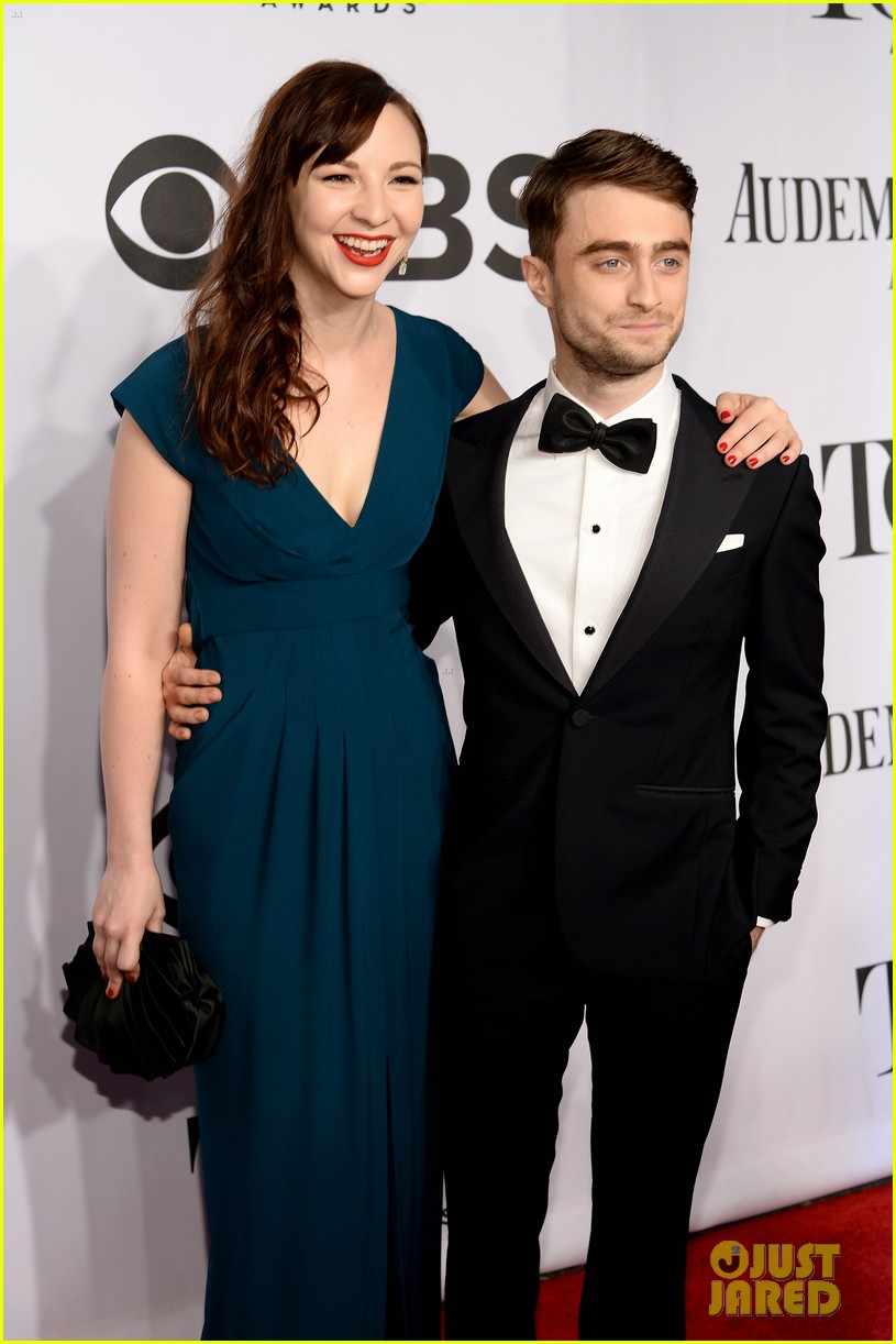 daniel radcliffe erin darke make red carpet debut at tonys 2014 023131216