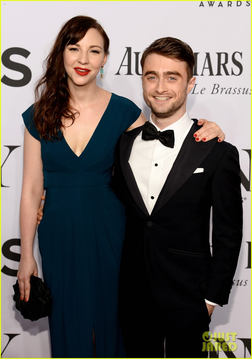 daniel radcliffe erin darke make red carpet debut at tonys 2014 03