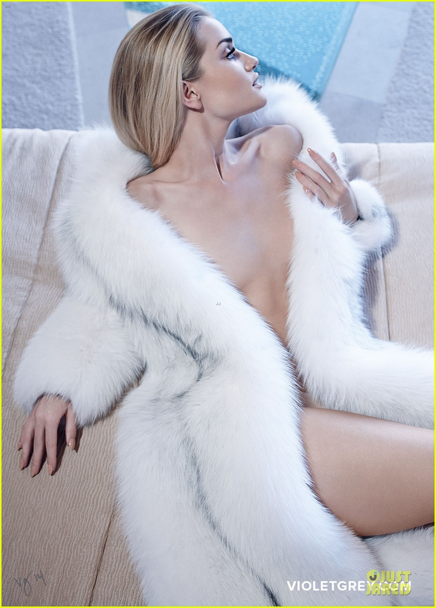 rosie huntington whiteley heats it up for violet grey 153139085