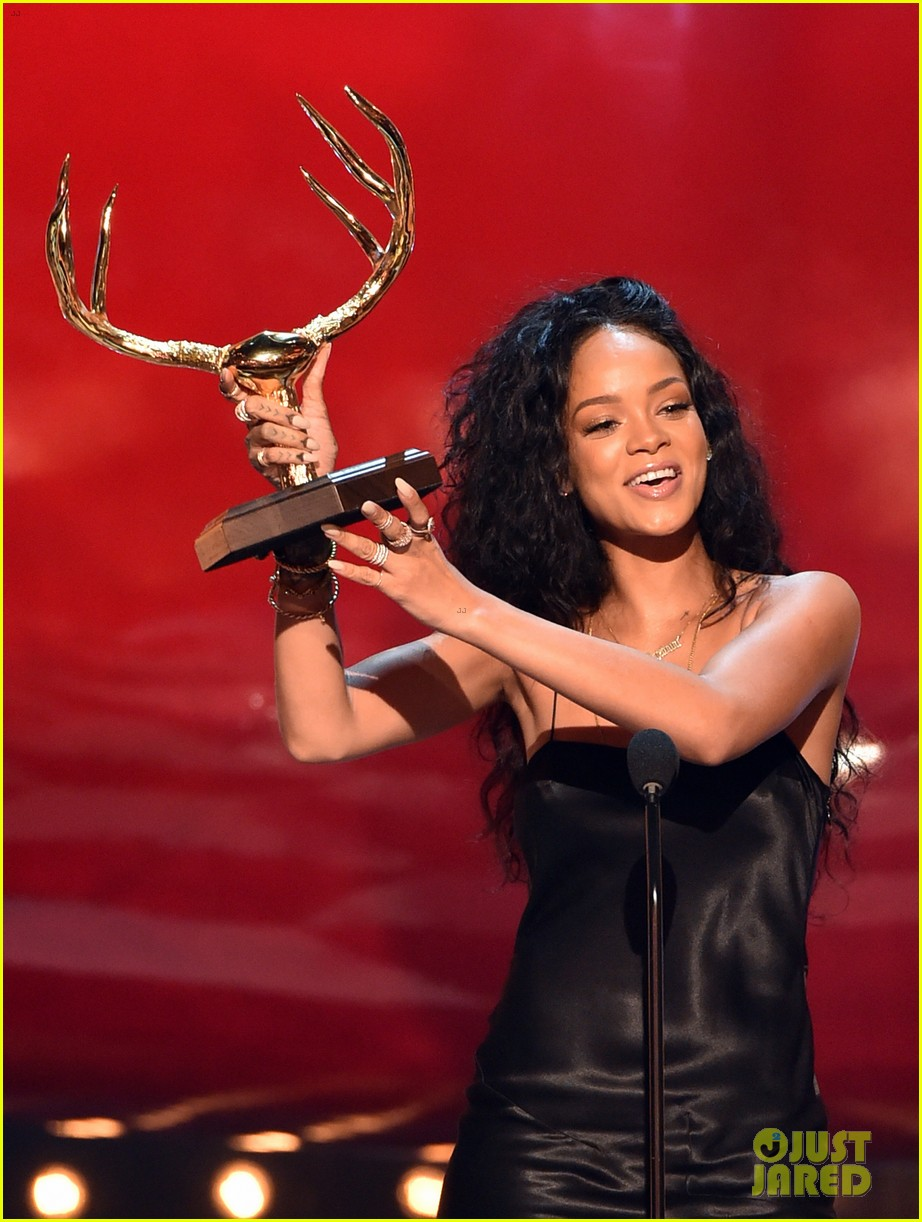 rihanna guys choice awards 2014 083130770