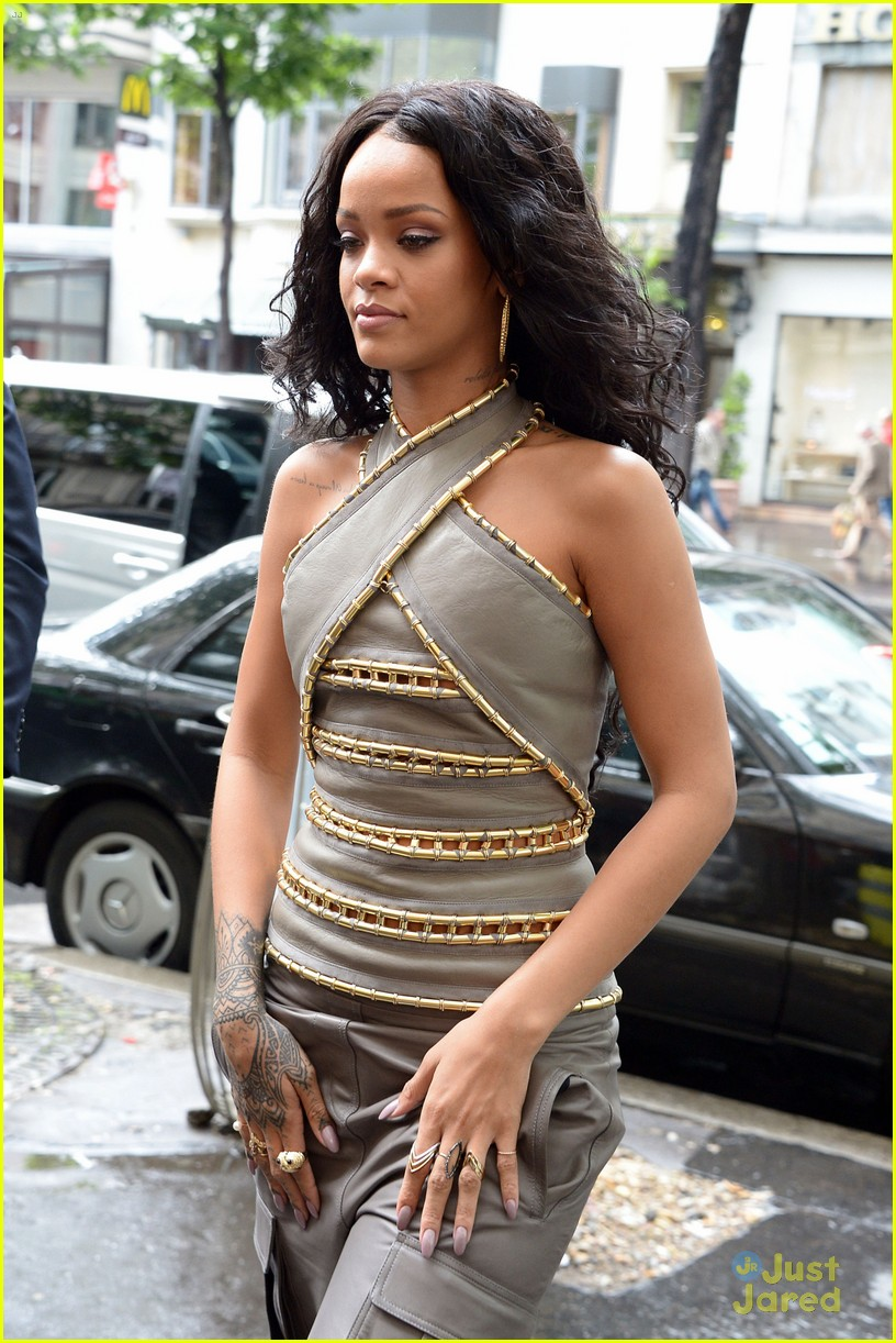 see how rihanna sheer dress was made 02