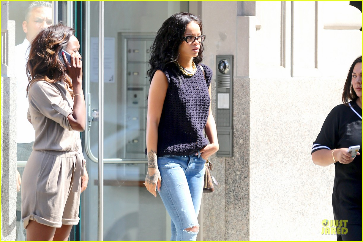 rihanna channel inner nerd in nyc 15