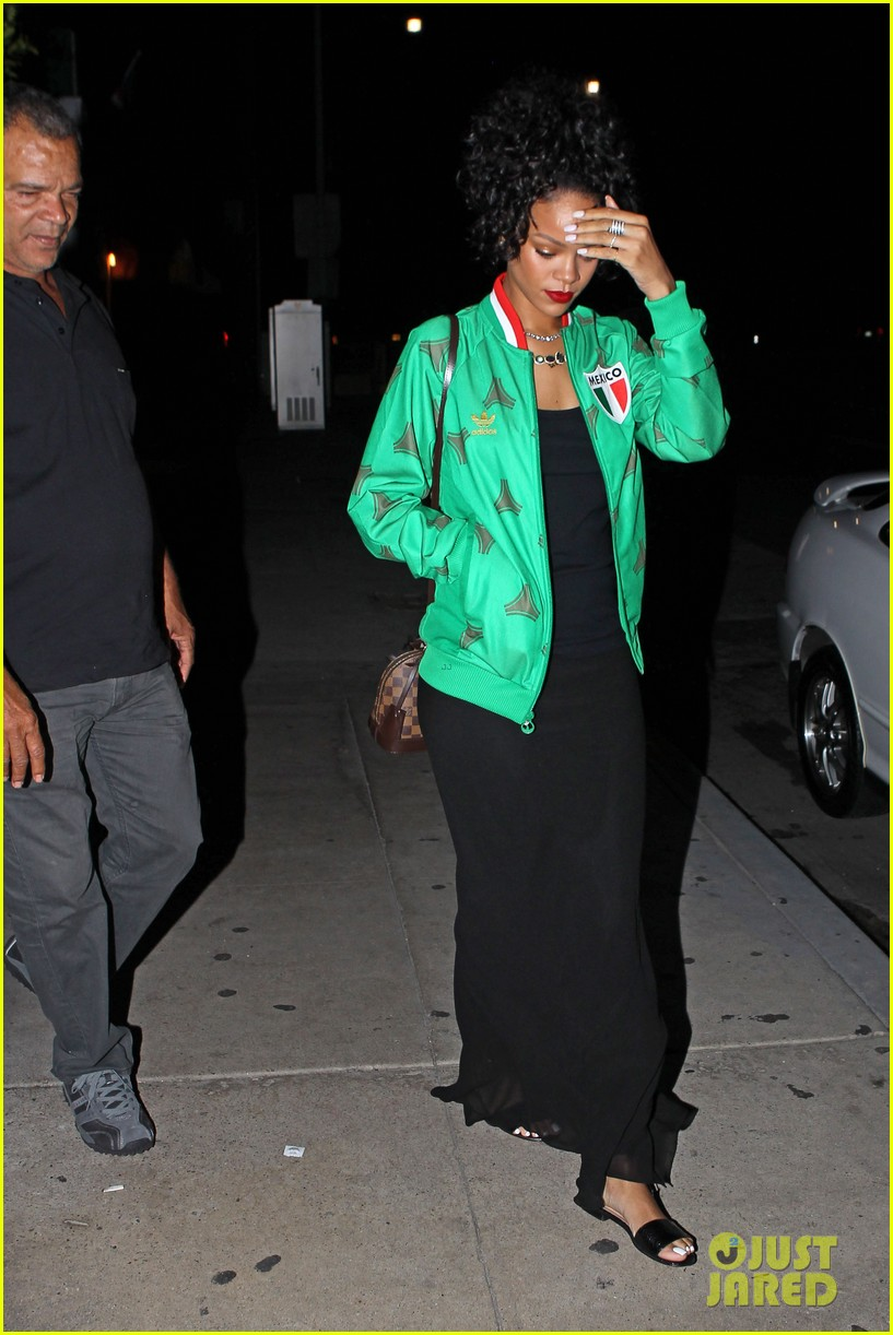 rihanna dinner after skipping the bet awards 053146667