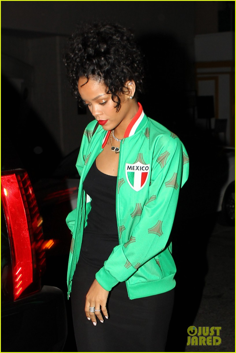 rihanna dinner after skipping the bet awards 173146679