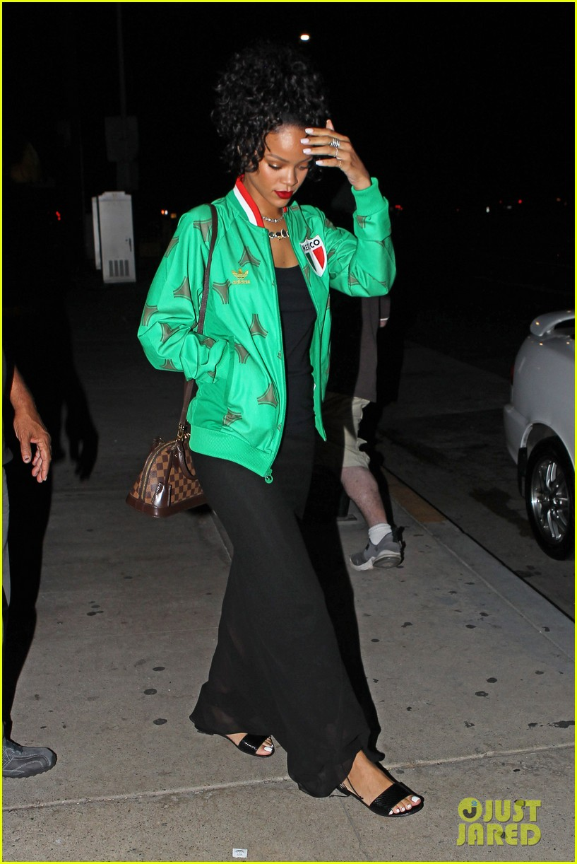 rihanna dinner after skipping the bet awards 20
