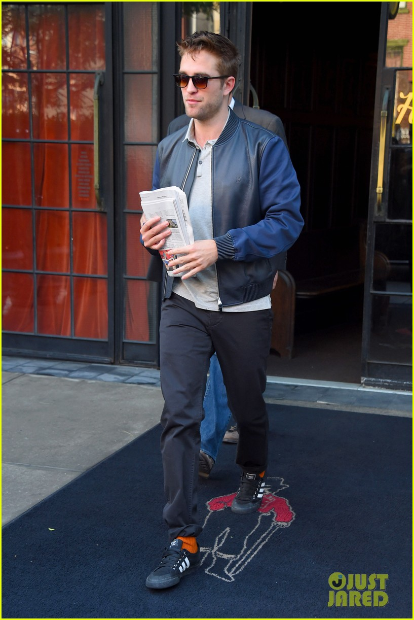 robert pattinson the rover good morning america 04