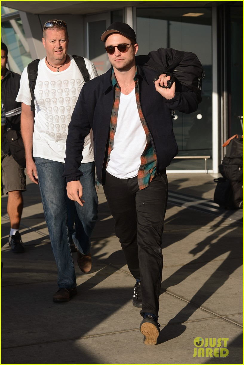robert pattinson overcome confidence issues 153136880