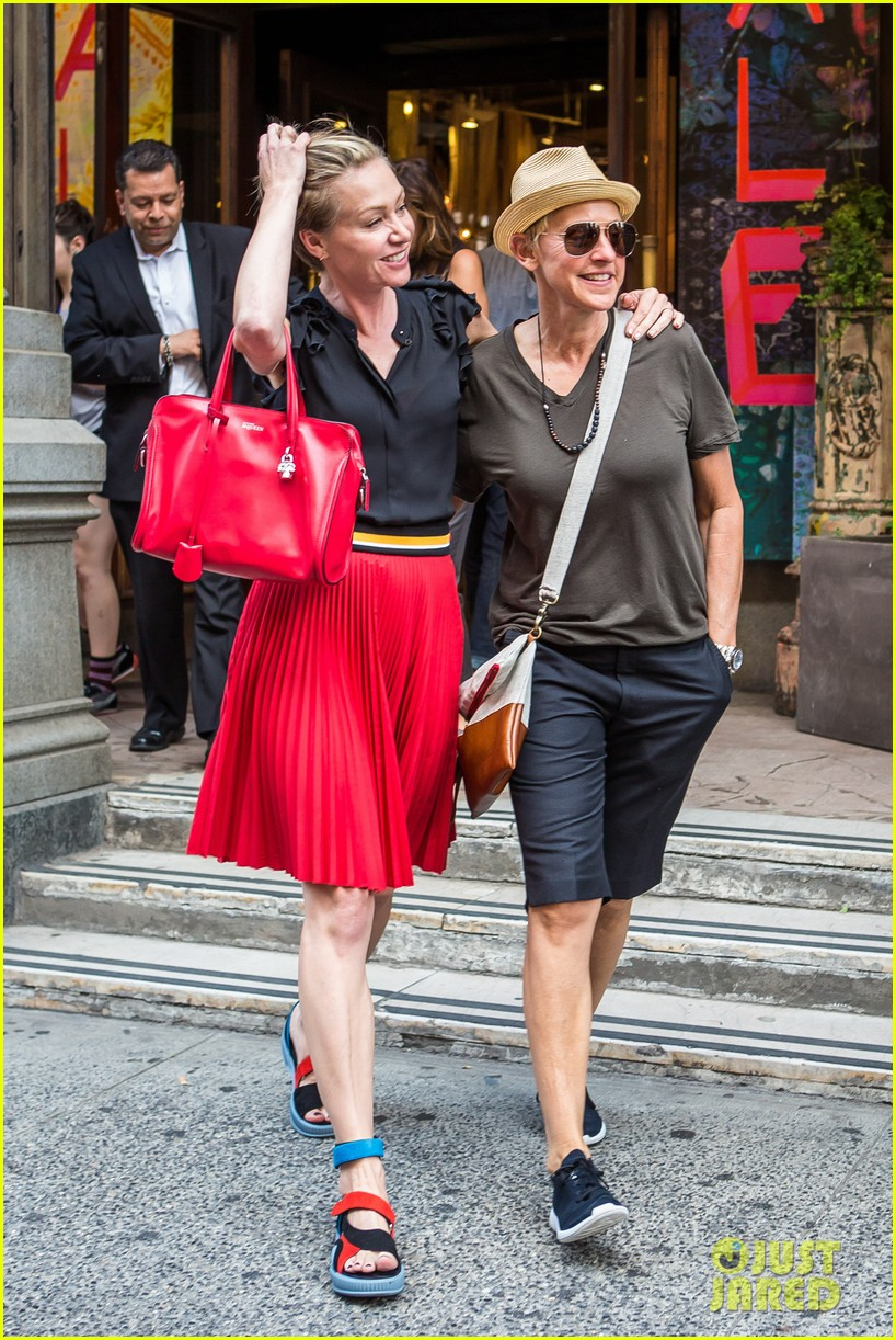 ellen degeneres portia de rossi hold hands tracy morgan 093140220