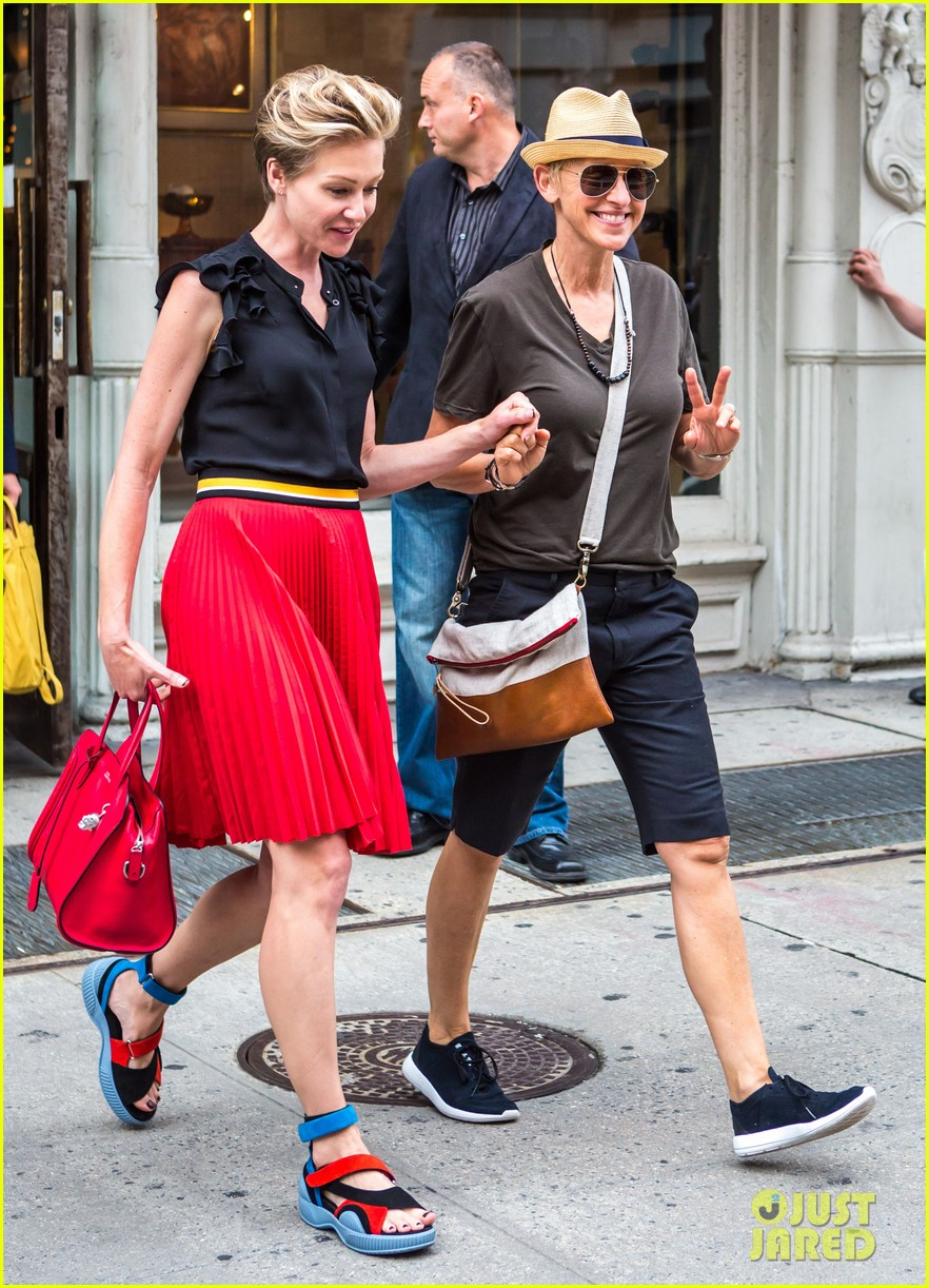 ellen degeneres portia de rossi hold hands tracy morgan 153140226