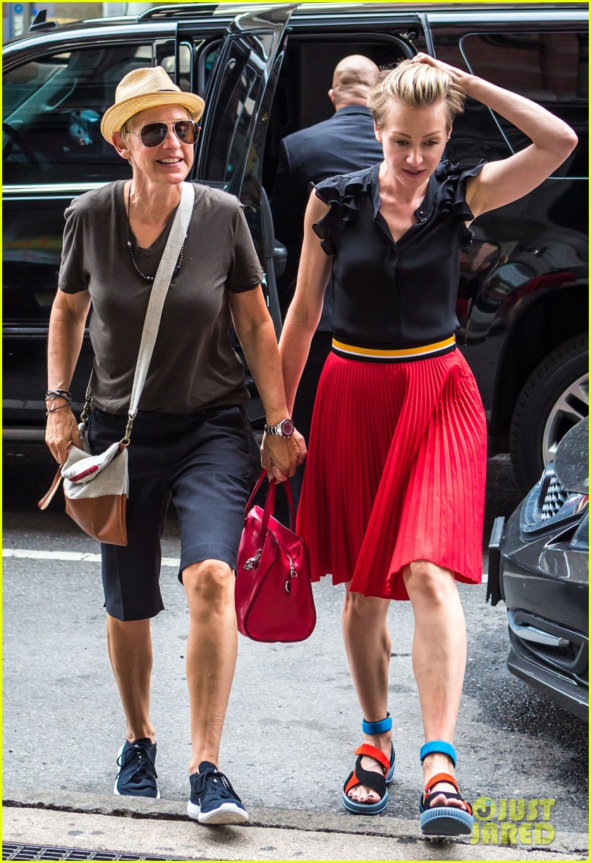 ellen degeneres portia de rossi hold hands tracy morgan 20