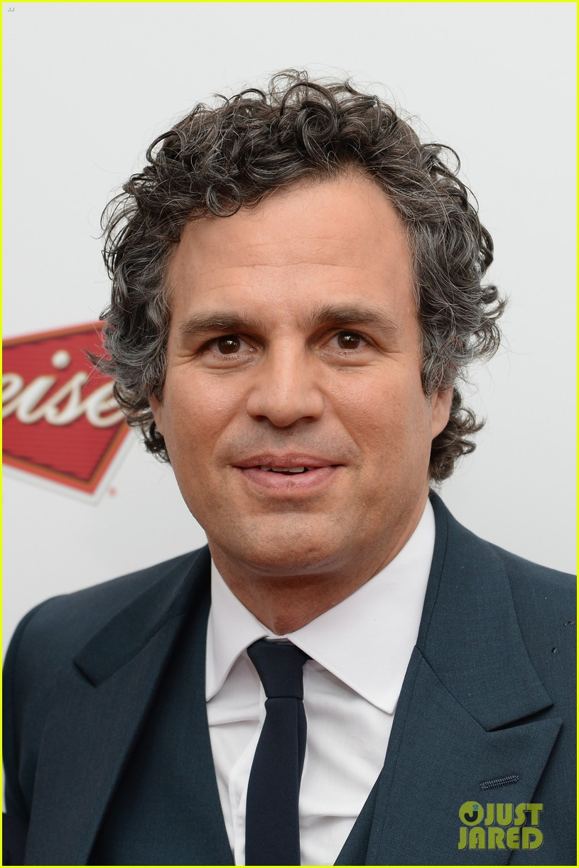 mark ruffalo brie larson begin again premiere 063143505