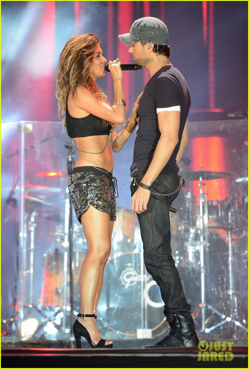 nicole scherzinger enrique iglesias perform together at isle of mtv 24