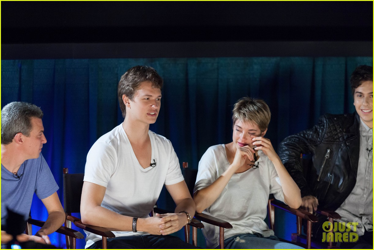 shailene woodley sheds a tear at the fault in our stars atlanta premiere 12