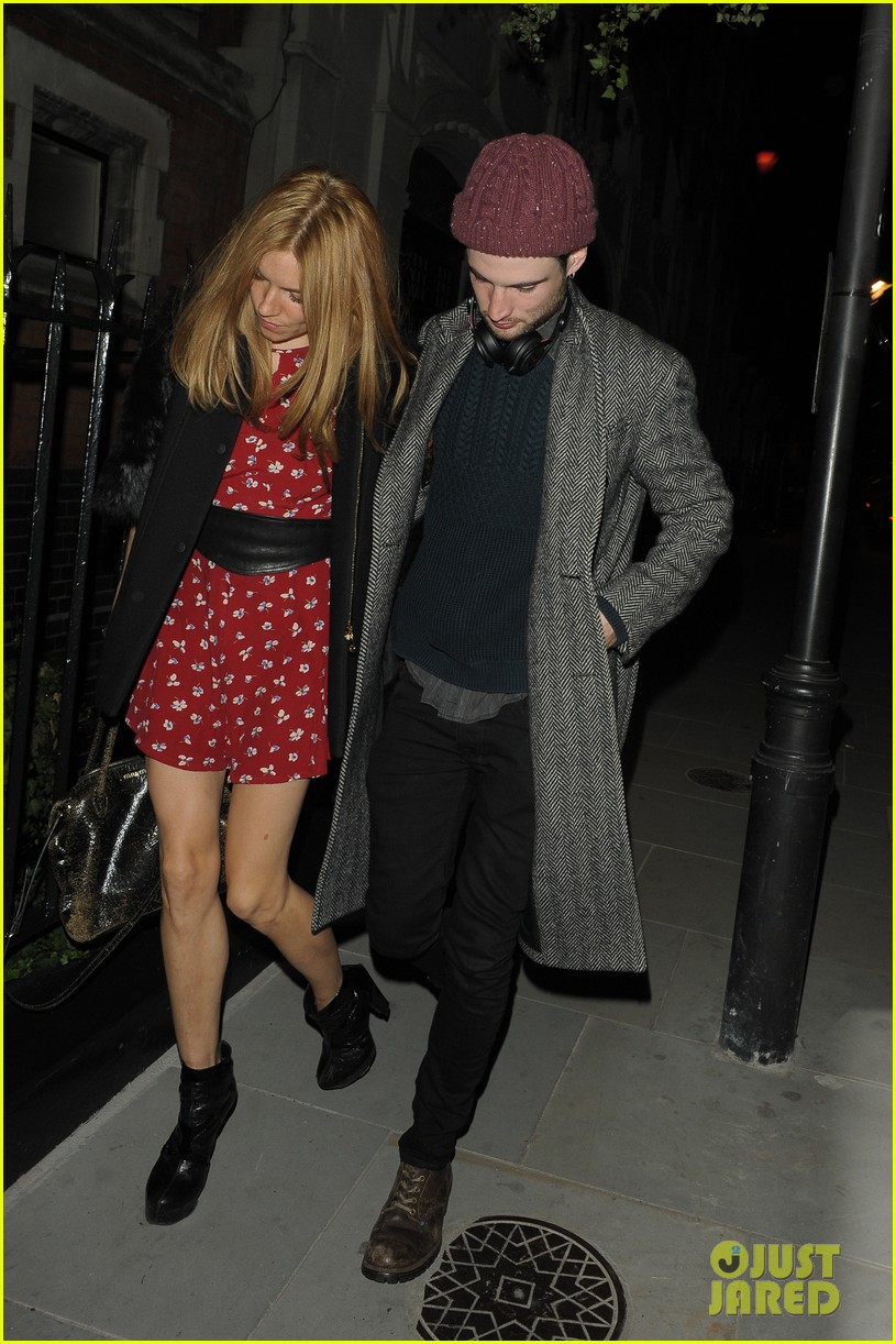 sienna miller tom sturridge date night in london 043129773